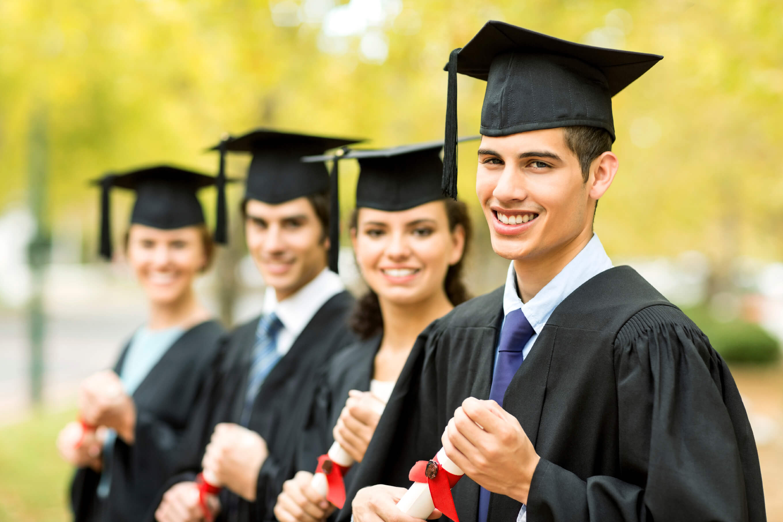 Pisanie prac dyplomowych, a poznański rynek pracy